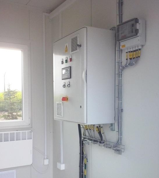 Szafa rozdzielczo-sterujaca w stacji sprężania biogazu. Realizacja CES